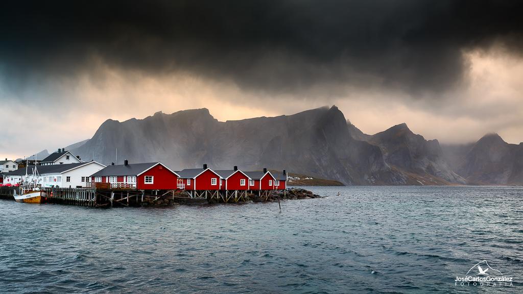 Hamnøy red cabins under the rain