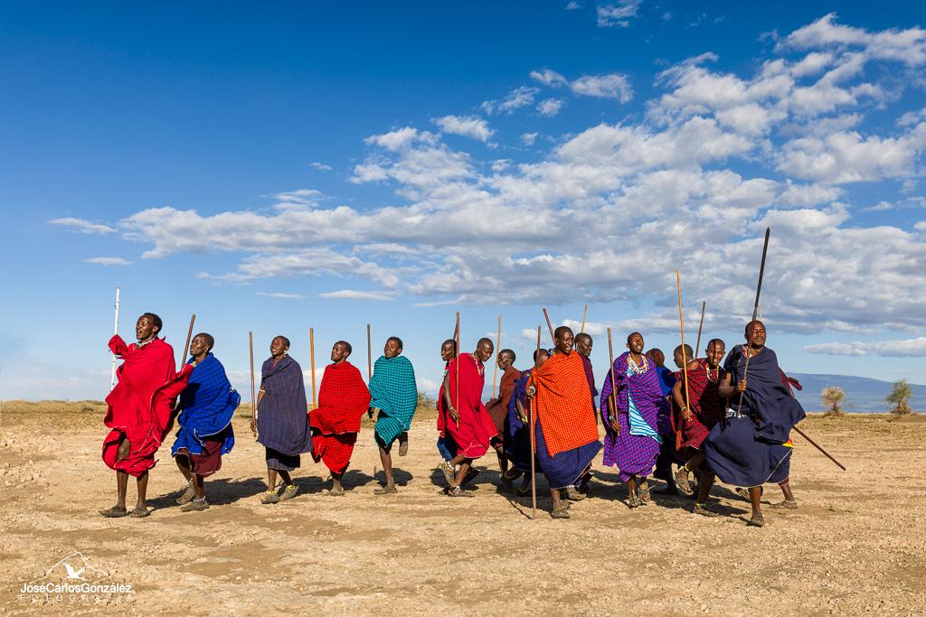Poblado masái - Danza masái